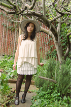 vintage dress - cutesygirl skirt - Enzo Angiolini shoes