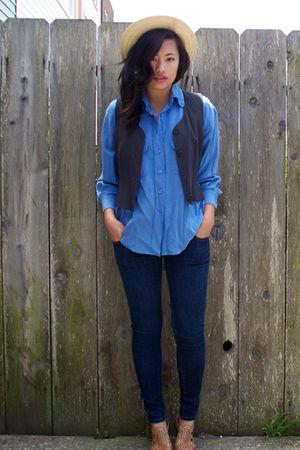 Alexandra shirt - Ninas jeans - vintage hat