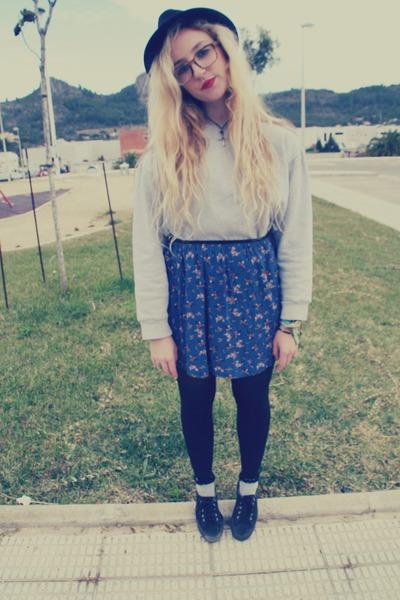 vintage hat - Topshop socks - vintage sweatshirt - Zara skirt - Coolway sneakers