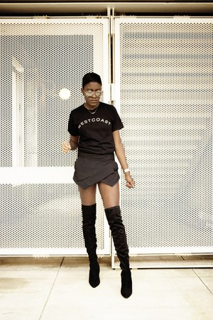 Public desire boots - ADBD t-shirt