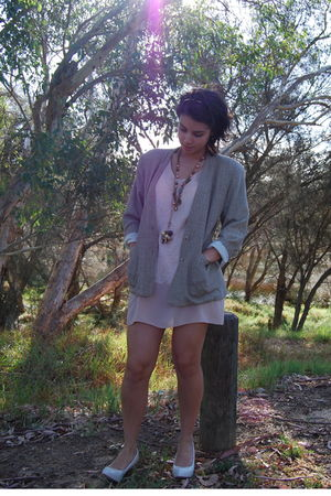 beige Chelsea Design dress - beige Boston shoes - DivaMyers accessories