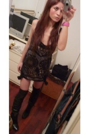 Zara dress - Calzedonia socks - Fornarina shoes
