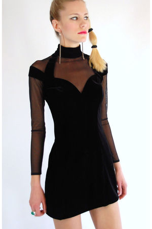 black Tadashi dress