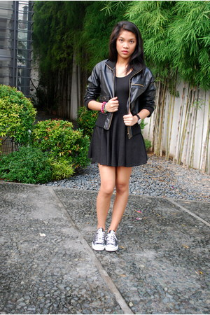 black Forever 21 jacket - black Converse sneakers