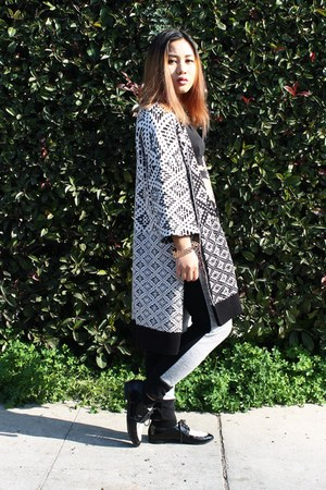 white oversized H&M cardigan - black oxfords Urban Outfitters shoes