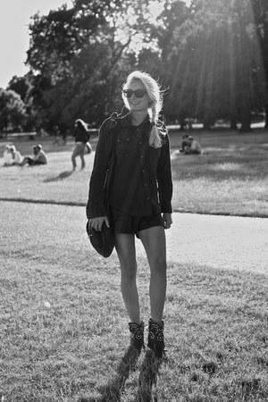 black leather Alexander Wang bag - black studded leather Isabel Marant boots