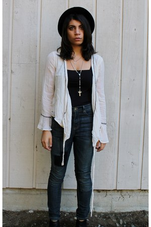 ivory vintage blouse - navy high waisted BDG jeans
