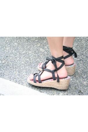 Suki shoes