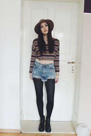 casual H&M jumper