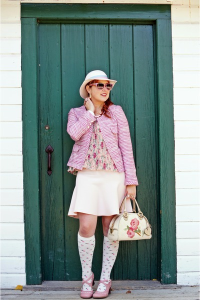 pink tweed jacket - off white wool hat - beige bowler terry bag