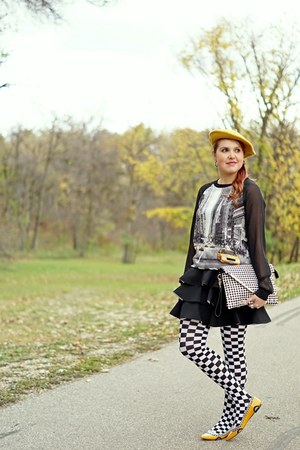 mustard taxi kate spade flats - mustard beret hat - black tights - white purse
