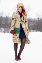 beige brocade danier coat - teal clutch Alexis Hudson bag