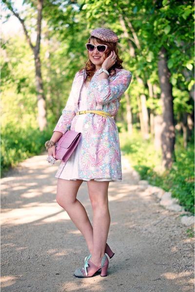pink paisley Jessica coat - pink leather clutch Auslini purse