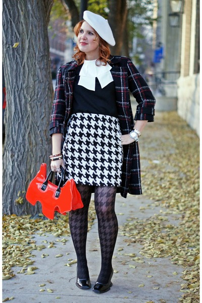 black houndstooth Sarah Borghi tights - black plaid Michael Kors coat