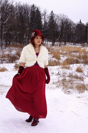ivory Melanie Lyne jacket - maroon Something Specail hat