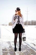 black hat - heather gray peplum blazer - black tights - silver telelphone bag