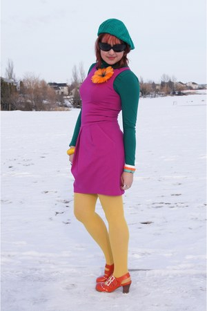 hot pink TeenFlo dress - teal Ardene hat - mustard HUE tights
