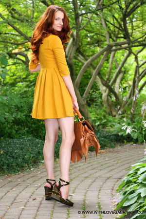 H&M dress - Zac Posen bag - Marc by Marc Jacobs wedges