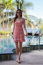 Juicy Couture dress - 31 Phillip Lim sunglasses - Fendi sandals