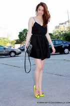wilfred dress - Barbara Rihl bag - neon Pretty Ballerinas flats