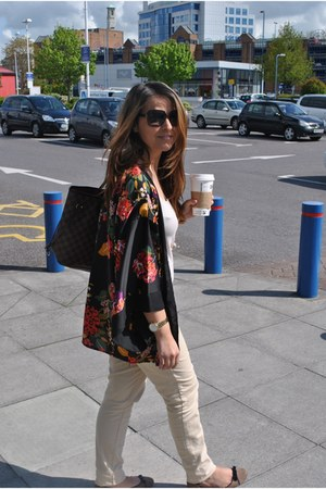 H&M jeans - Louis Vuitton bag - Moschino sunglasses - H&M cape
