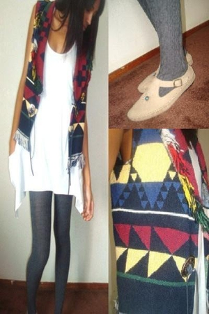 gray Forever21 leggings - beige thrift shoes - white Forever21 dress - red Mars