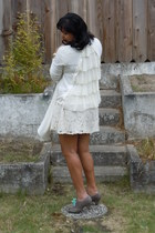 shoe-lace American Apparel shoes - ruffle modcloth cardigan - lace Forever 21 sk
