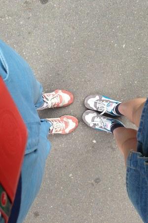 salmon Accessorize shoes
