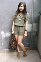 gold bangkok accessories - gold house of harlow accessories - brown asos shoes