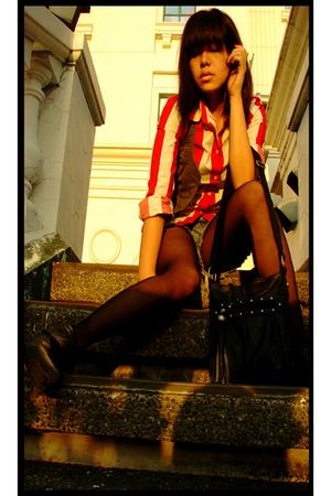 red Mango top - gray Bazaar vest - blue Gap shorts - gray some story boots - bla