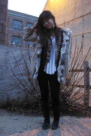 black Forever 21 leggings - black 31 phillip lim vest - gold Top Shop accessorie
