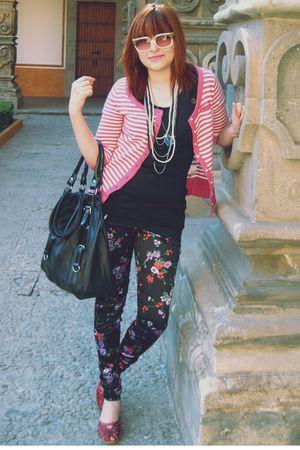 pink cardigan - black shirt - purple Xaviera A leggings - white