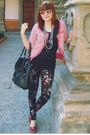 Pink-cardigan-black-shirt-purple-xaviera-a-leggings-white