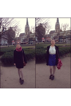 navy cotton Promod skirt - dark brown leather shoes