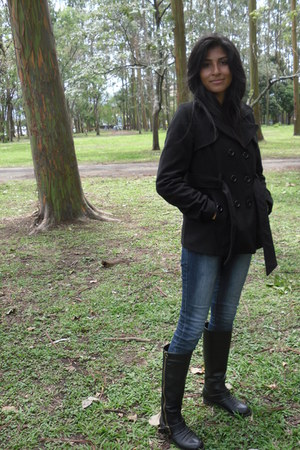 black leather boots - black cotton coat - navy jeans jeans