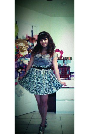 Bongo shirt - Forever 21 heels - PacSun skirt - Claires accessories - XOXO acces