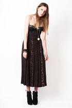 leopard pleat Yayer Vintage skirt - lace bralet Yayer Vintage bra