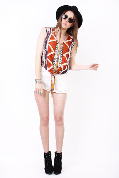 white denim Yayer Vintage shorts - tribal cotton Yayer Vintage top