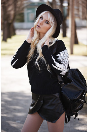 black skirt Yoins skirt