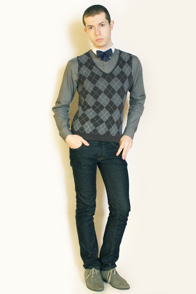 blue vintage tie - gray H&M shoes - blue Zara jeans - gray Zara shirt
