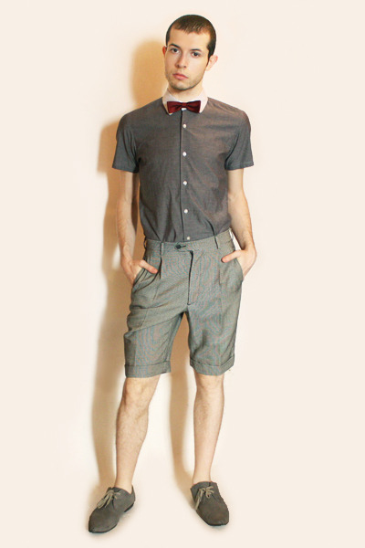 red vintage tie - gray Hanjiro shirt - gray vintage shorts - gray H&M shoes