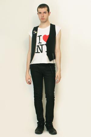 I love NY t-shirt - Sisley vest - Zara pants - shoes - Toki DokiCode Geass Pins