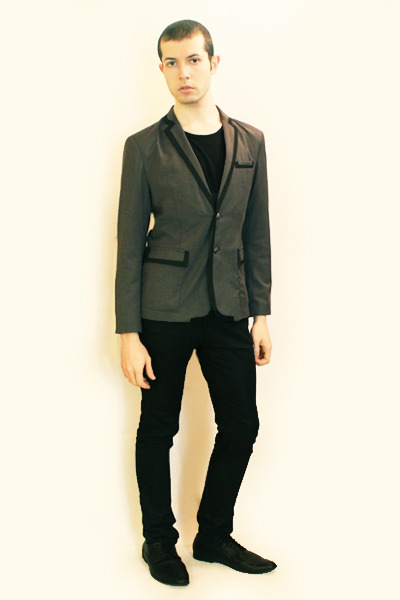 gray Hanjiro blazer - black Npfeel t-shirt - black Zara pants - black H&M shoes