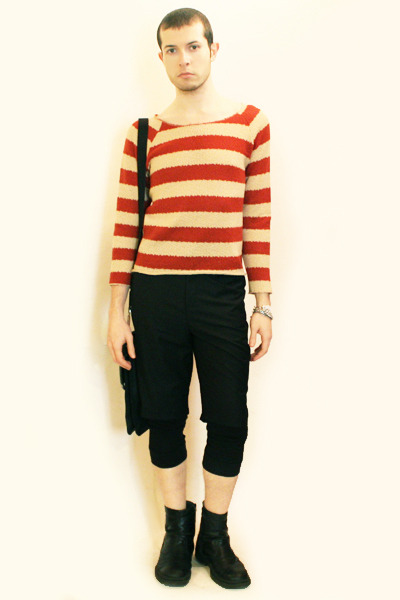 red Npfeel sweater - black pants - black bag united colors of benetton - silver