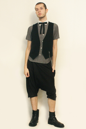 Hanjiro shirt - Sisley vest - vintage from etsy tie - pants - boots