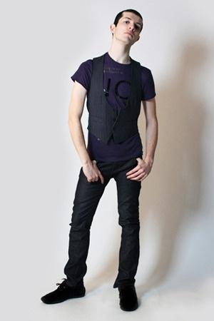 Zara t-shirt - Hanjiro vest - Zara pants