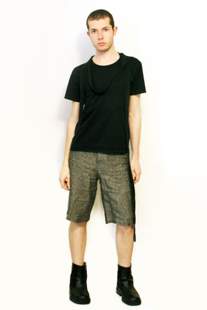 Npfeel t-shirt - shorts - boots
