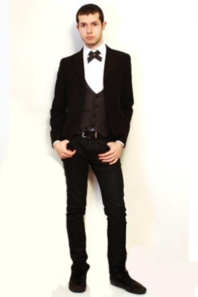 gray From Harajuku Tokyo vest - black Npfeel jacket - white Misaky shirt
