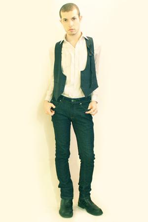 white H&M shirt - blue Hanjiro vintage vest - blue Zara jeans