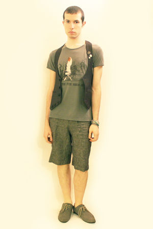 gray vivienne westwood t-shirt - gray Harajuku vest - gray from london shorts -